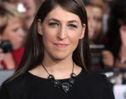 The Big Bang Theory – Mayim Bialik alla gogna per una dichiarazione sul caso Weinstein