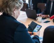 Pokemon Go – Primo ministro norvegese sorpreso a giocare in attesa di Donald Trump